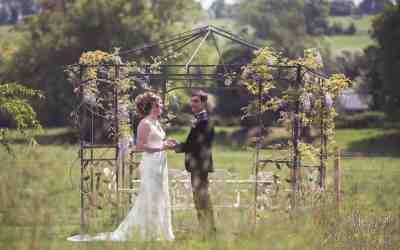 Should you have a non legal wedding ceremony? The Benefits & back falls
