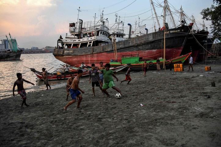soccermyanmar.jpg