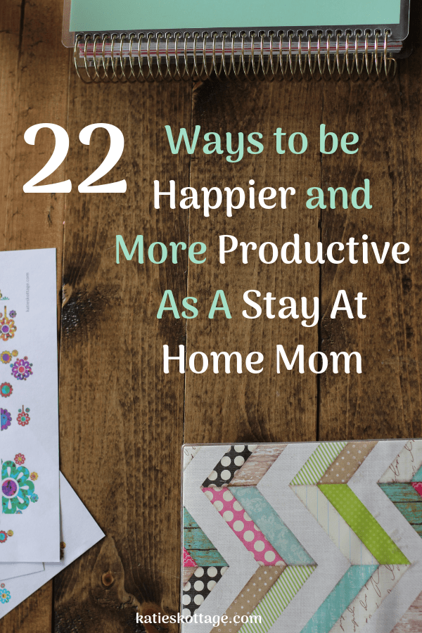 22 habits of a productive stay at home mom. All the tips that will help you form daily schedules with your kids, earn extra money, plus tools and ideas to help you with time management. #sahm #stayathomemom #wahm #productive #productivitytips #dailyscheudle #dailyroutine #schedule #routine