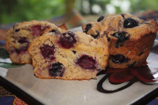 blueberry banana spelt muffins