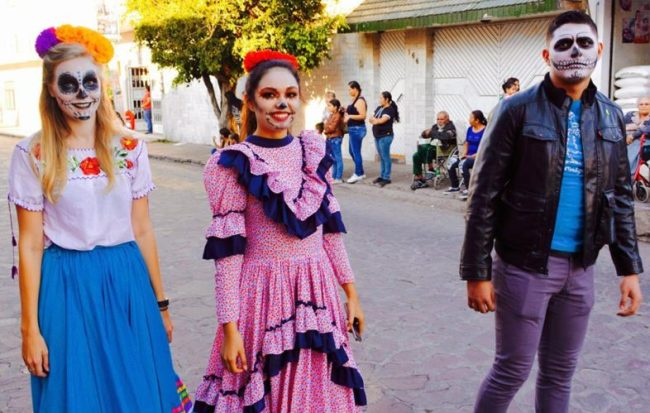 Living in Mexico - translator and copywriter