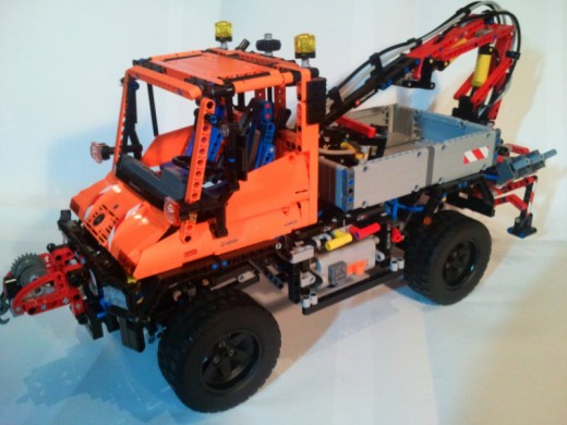 The LEGO Unimog Truck/Snowplow