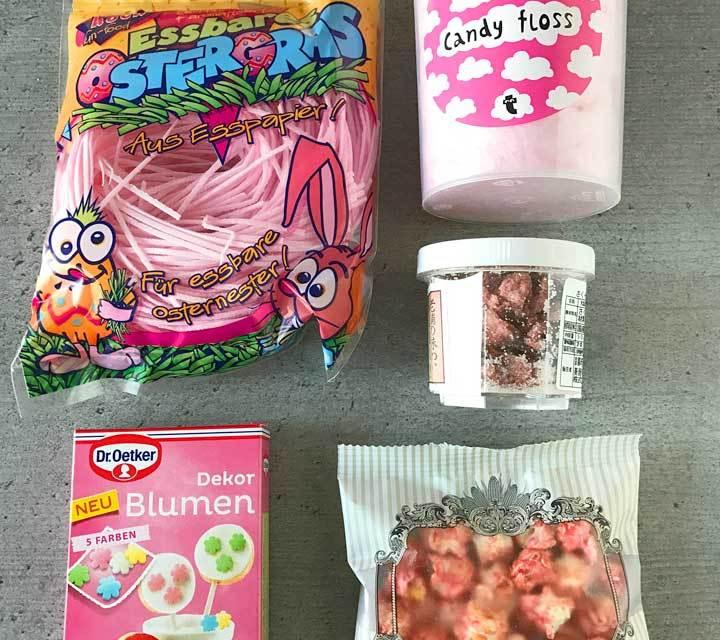 Rosarote Zutaten für den Sakura-Eisbecher.