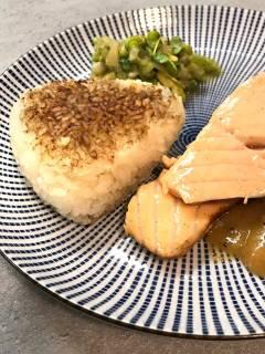 Yaki Onigiri: die gebratenen Reisbällchen passen auch gut zu allen gebratenen Gerichten.