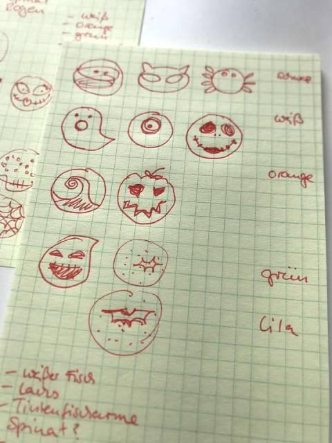 Für die Halloween-Sushi habe ich zuerst die Motive recherchiert und skizziert.