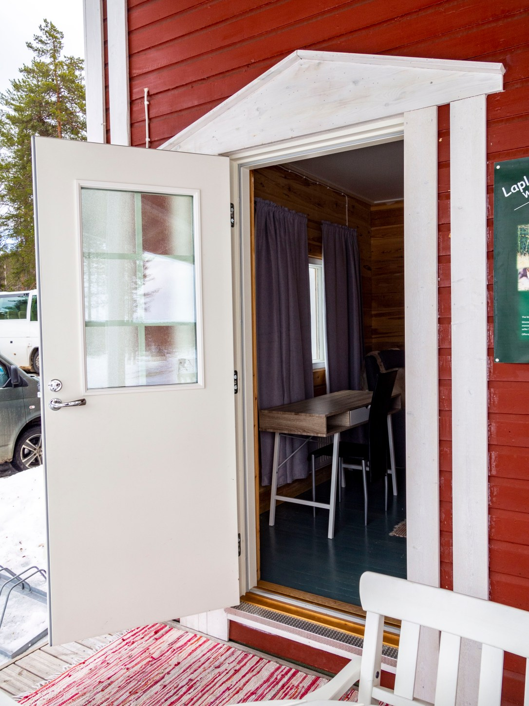 Hotel Katkavaara Aurora Apartments and Snow Igloos Northern Light room with own entrance