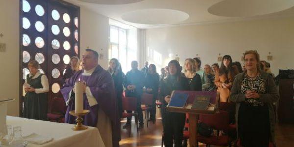 Jutarnja misa u NKG-u
