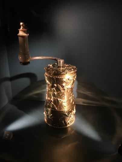Die goldene Kaffeemühle der Pompadour