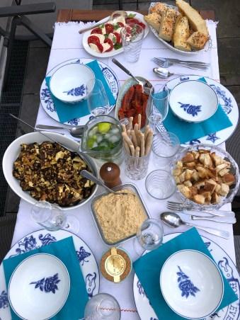 Gedeckter mediteraner Tisch