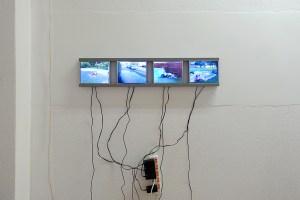 Vier Screens mit Poolentleerungen