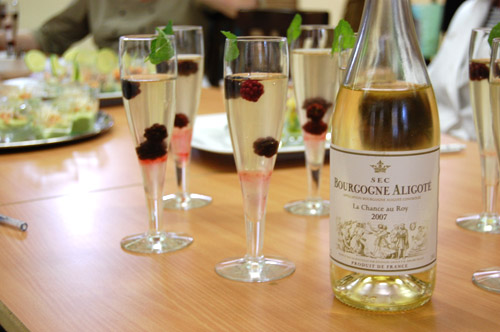 Apero Bourgogne aligoté et extrait de sureau