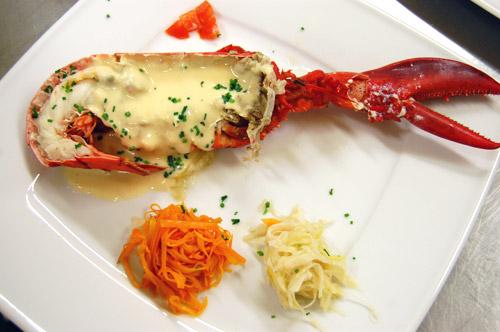 Demi homard et sa sauce mousseline