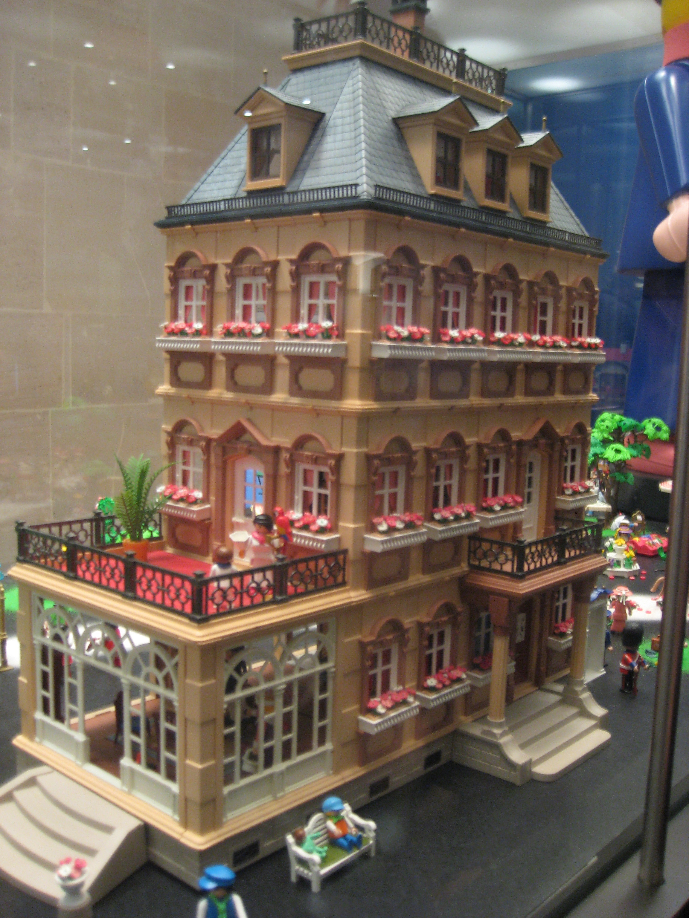 playmobil exhibition at les arts decoratifs