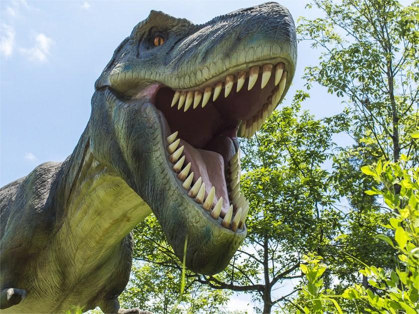 恐竜モニュメントを探そう