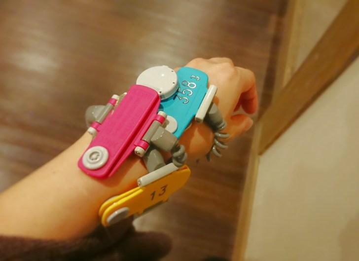 どんどん増えていく腕の鍵