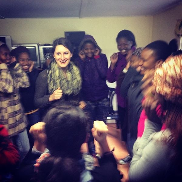 """""""@vrybalka leading warm up this morning for @globalsorority #southafrica"""" - Loretta Cella"""