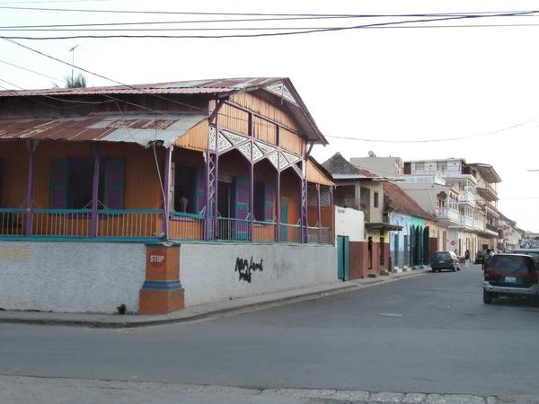 Tipica casa gingerbread haitiana