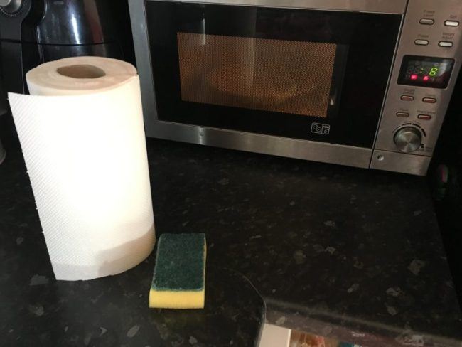 Easy way to clean a microwave - My supplies