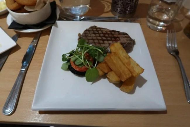 La Brasserie - Mains Sirloin Steak