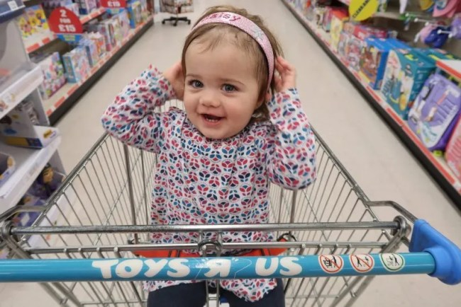 Living Arrows 38/52 - Daisy in the trolley at Toys R Us