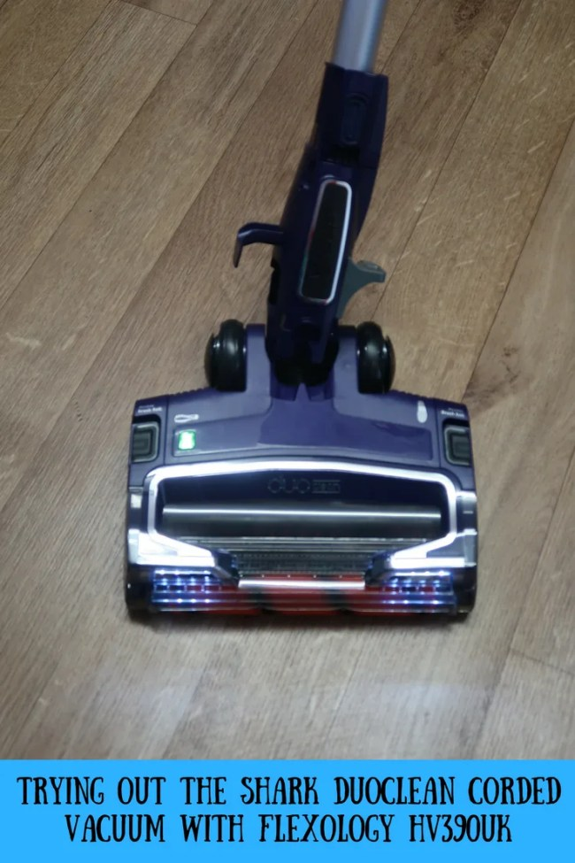 (AD) Trying out the Shark Duoclean corded vacuum with flexology HV390UK