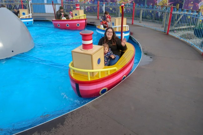 A family trip to Peppa Pig World - boats