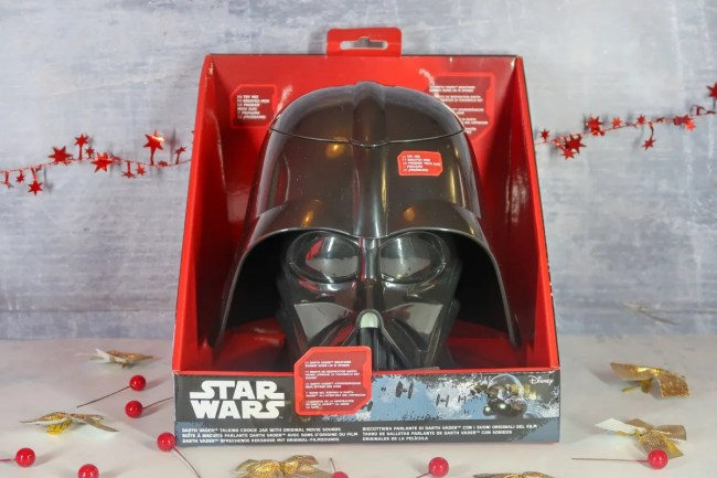 2018 Christmas Gift Guide for food & drink lovers - Star Wars cookie jar