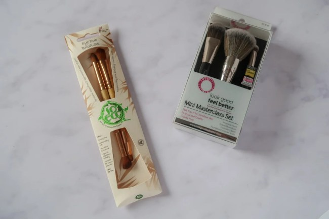 Christmas Gift Guide for parents - makeup brushes