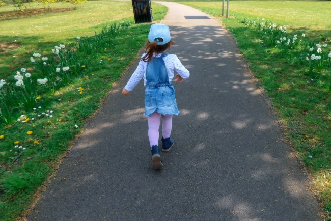 Living Arrows 16/52 - Daisy running in the park