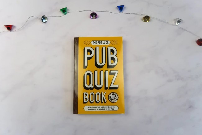 Christmas gifts for parents - Pub Quiz Book