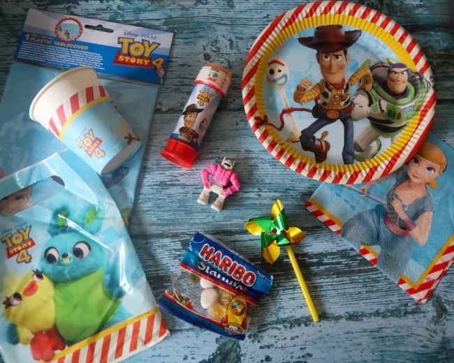 Toy Story 4 themed party set