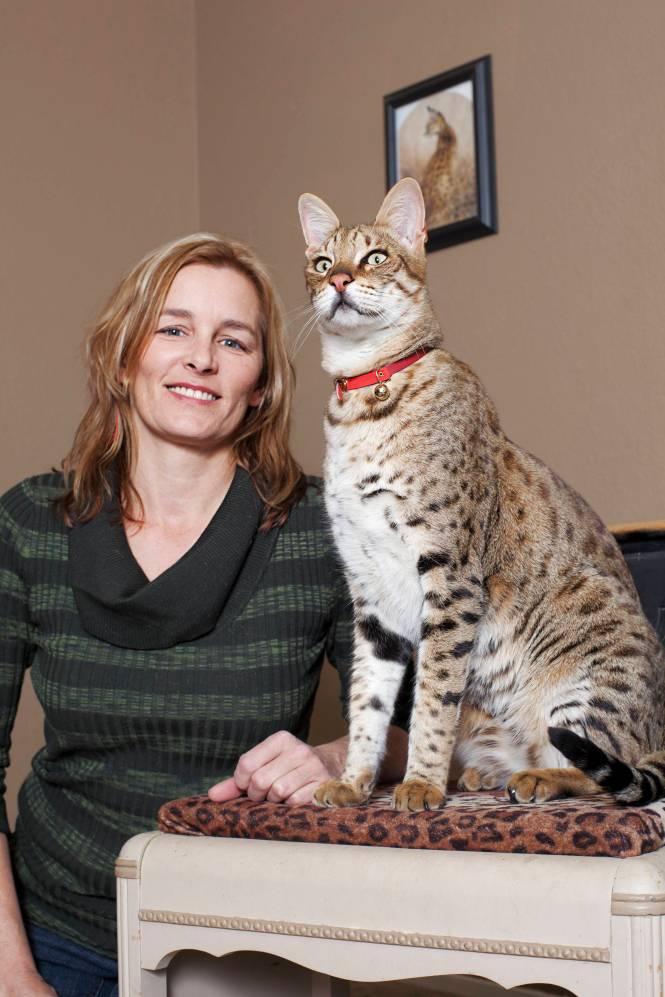 135542 Trouble - Tallest Cat_110112-050_Fin