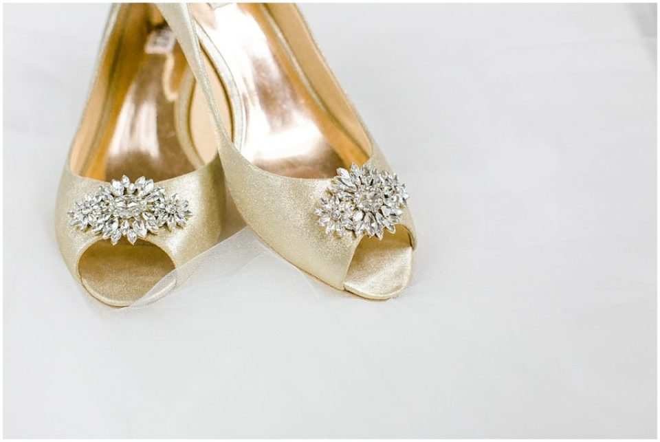 How to Create Your Perfect Wedding Day Timeline | Gold Bagdley Mishka Wedding Shoes | Katzie and Ben Photography www.katzieandben.com