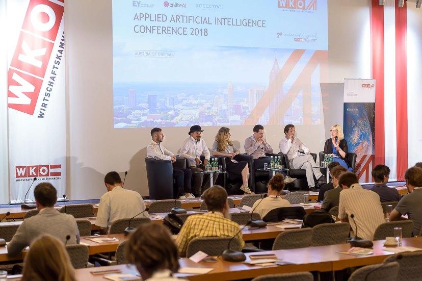 Creative AI Panel 9 - mit Thomas Lidy, Alex J. Champandard, Mariel Noortman, Daryl de Jori, Michael Katzlberger, Reanne Leuning (v.l.n.r.) © WKO AUSSENWIRTSCHAFT AUSTRIA