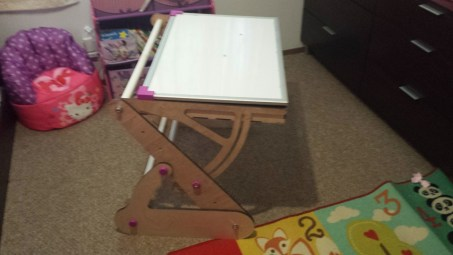 CNC child easel desk