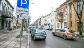 Naujos parkavimo vietos Kęstučio gatvėje