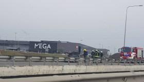 "Prie ""Megos"" užsidegė automobilis"