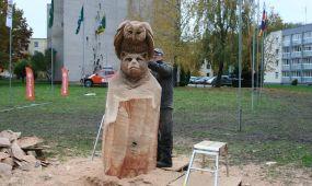 Skulptūros drožimo darbai