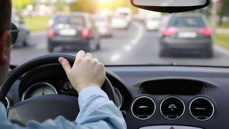 Kaip turėtume važiuoti automobiliu kad nesudarytume kamščių?