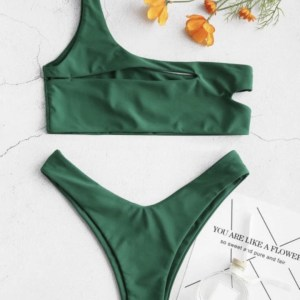 bikini verde de dos piezas