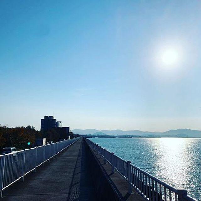 今日はサボろうかなー、と思ったけど。朝ラン15kmごっつぁんでした。#唄うたいカワムラ