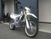 ホンダ CRF250L ホワイト フロントサイド