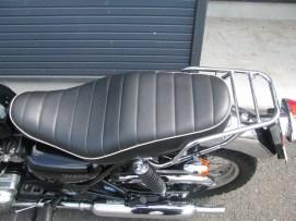 カワサキ W400 ファイナルエディション レッド/ブラック シート