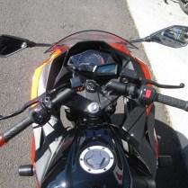 NINJA250スペシャルエディション オレンジ/ブラック ハンドル周り
