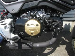 新車 ホンダ グロム(GROM) マットグレイ エンジン