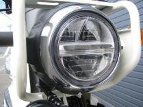 新車情報 ホンダ クロスカブ50(CROSS CUB50)ホワイト 側