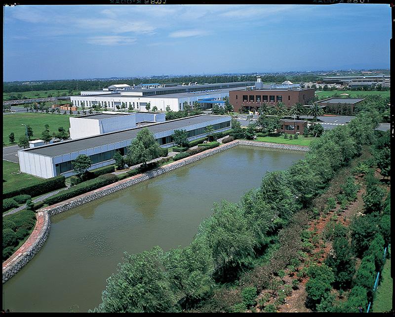 Apertura de la fábrica y laboratorio de investigación de Ryuyo para pianos de cola en Hamamatsu, Japón