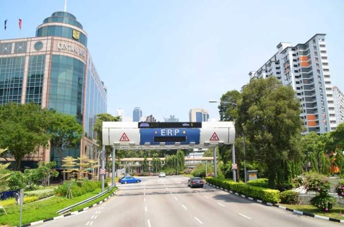 Como é o trânsito em Singapura