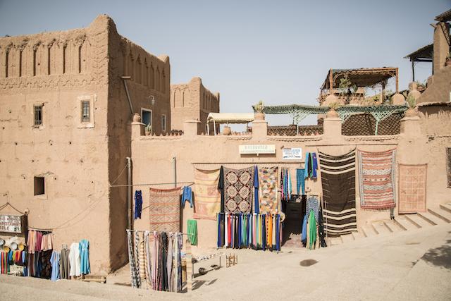 Compras e negociando no Marrocos