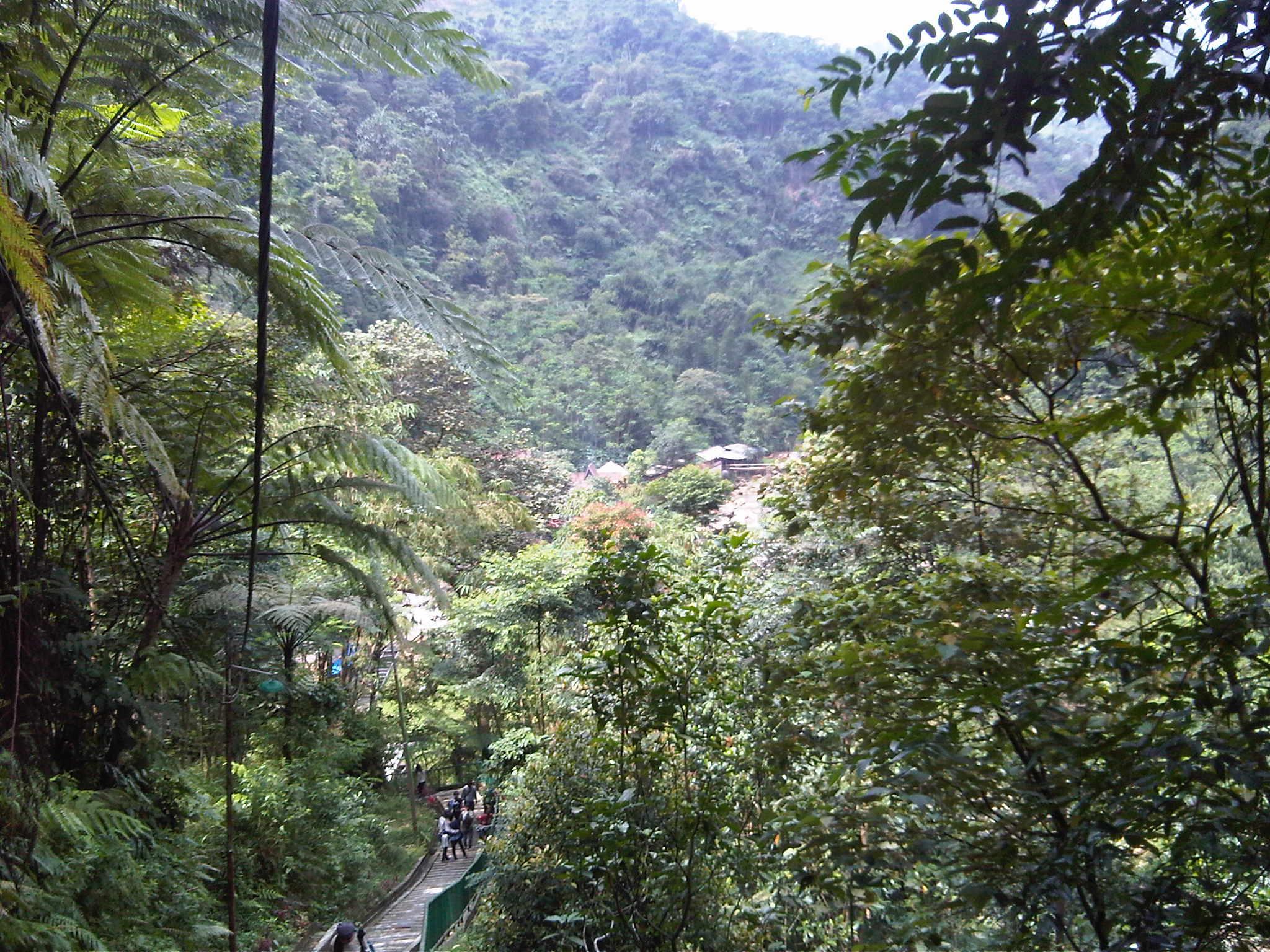 Fotofoto Alam sekitar Wisata Air Panas Ciparay Gunung